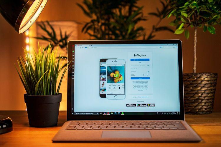 Qué significa un TBT en Facebook e Instagram y cuándo usarlo
