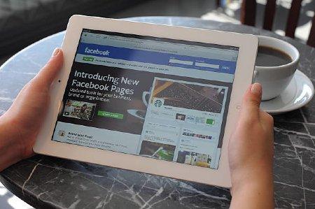 solicitar fusión de páginas de Facebook